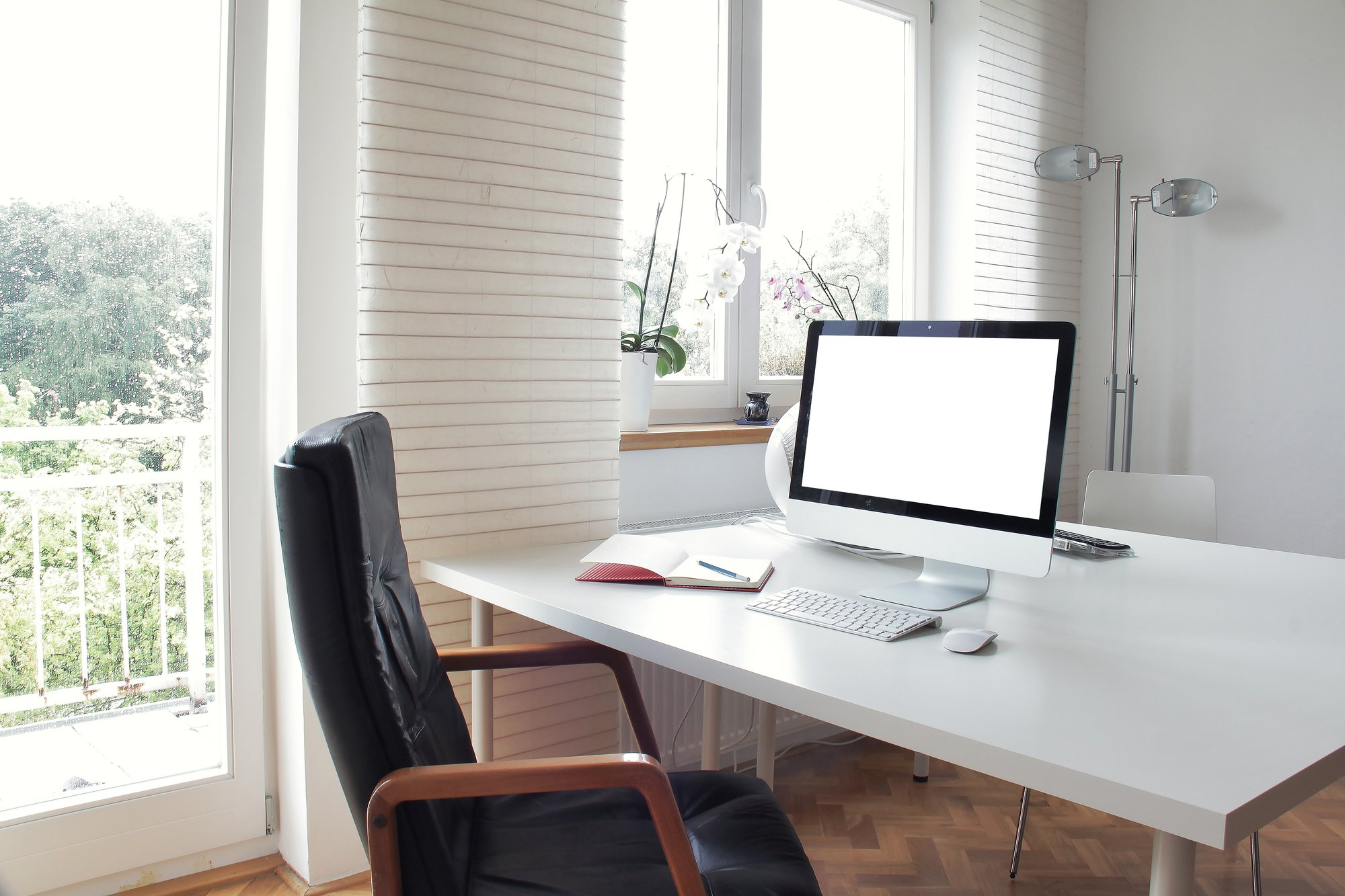 How to Keep Seattle Rental Properties Competitive: Home Office Spaces